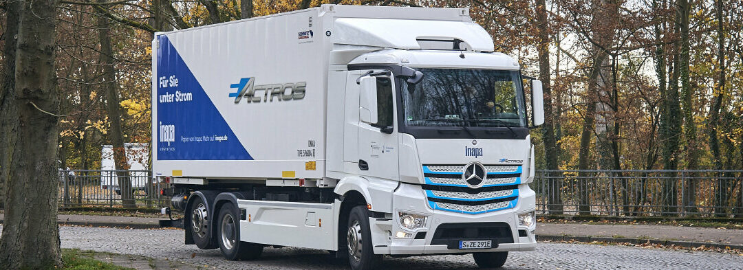 The all-electric eActros is now in the Karlsruhe region: Inapa Deutschland GmbH tests Mercedes-Benz electric truck in paper wholesaling